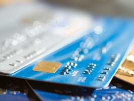 comparison of cash card, credit card, charge card and debit card gambling deposits.